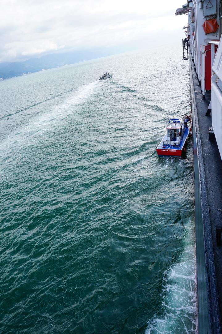 2 Pilot on board pilot boat